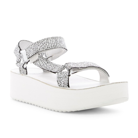 3a4953ea05a NEW Teva Flatform Sandal White Crackle Leather